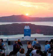 Kyriakos Mitsotakis talade på turistön Santorini. Dimitris Papamitsos / TT NYHETSBYRÅN