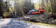 Bilen fraktas bort efter olyckan. Mats Andersson / TT / TT NYHETSBYRÅN