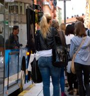 Arkivbild. Kö till SL-buss. Hasse Holmberg / TT / TT NYHETSBYRÅN