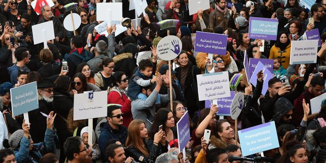 #Metoo-protester i Tunisien. FETHI BELAID / AFP