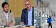 Civilminister Ardalan Shekarabi tillsammans med utredare Mats Sjöstrand samt servicekontor.  TT Nyhetsbyrån