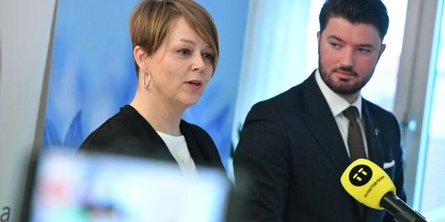 Katrin Stjernfeldt Jammeh (S) och Roko Kursar (L)  Johan Nilsson/TT / TT NYHETSBYRÅN