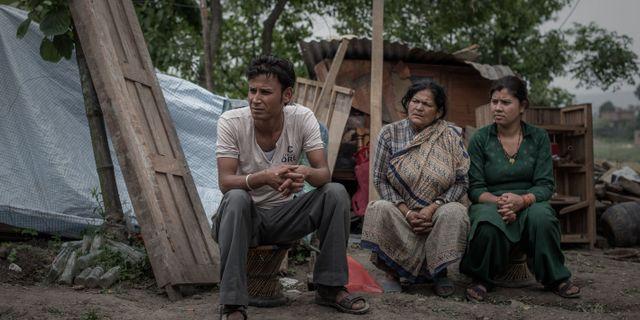 Tidigare premiarminister tar over i nepal