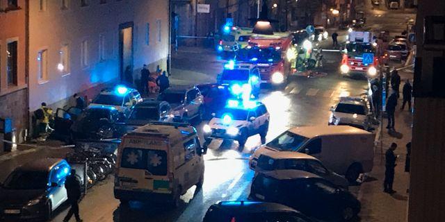 En gripen efter stort polispadrag