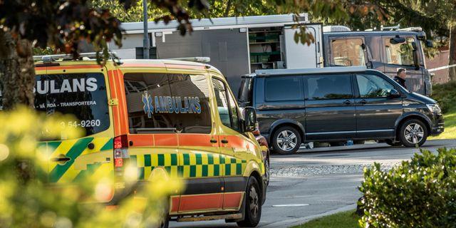 Polisens bomtekniker på platsen. Joachim Nywall/TT / TT NYHETSBYRÅN