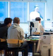 Arbetssökande på Arbetsförmedlingen, arkivfoto. Bertil Enevåg Ericson / TT / TT NYHETSBYRÅN