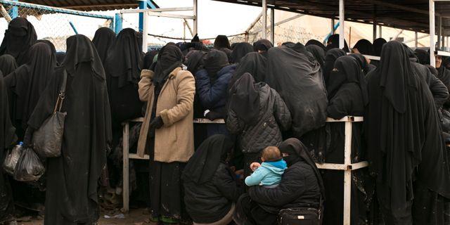 Kvinnor och barn i det syriska flyktinglägret al-Hol. Maya Alleruzzo / TT NYHETSBYRÅN/ NTB Scanpix