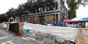 Barrikader runt zonen Ted S. Warren / TT NYHETSBYRÅN