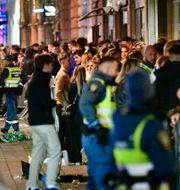 Arkivbild: Köerna ringlade sig långa i Malmö när restriktionerna lättade den 29 september.  Johan Nilsson/TT / TT NYHETSBYRÅN
