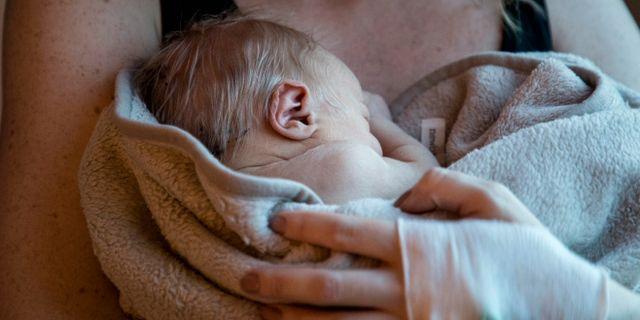 Ett nyfött barn/arkivbild.  Christine Olsson/TT / TT NYHETSBYRÅN