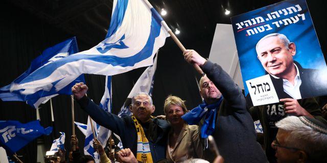 Likudanhängare firar valsegern. Oded Balilty / TT NYHETSBYRÅN