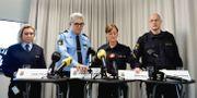 Anders Thornberg i ljusblått i mitten. Stina Stjernkvist/TT / TT NYHETSBYRÅN
