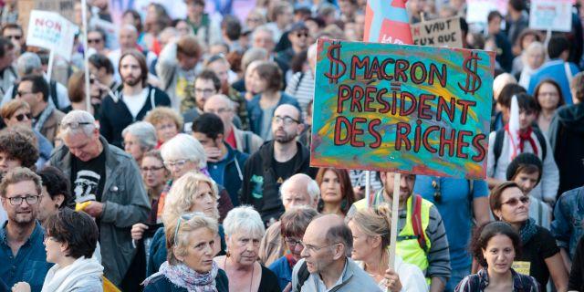 Protester mot Macron i helgen. GEOFFROY VAN DER HASSELT / AFP