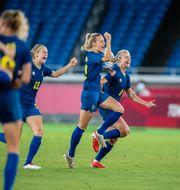 Svensk spelare firar semifinalsegern. DANIEL STILLER / BILDBYRÅN