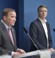 Statsminister Stefan Löfven (S) presenterar Per Bolund som miljöminister och vice statsminister en regeringsombildning under en pressträff i Rosenbad Anders Wiklund/TT / TT NYHETSBYRÅN
