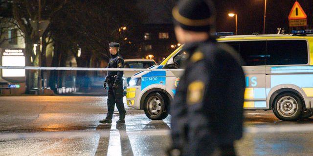 Polisavspärrningar efter en skottlossning i Malmö under fredagskvällen.  Johan Nilsson/TT / TT NYHETSBYRÅN