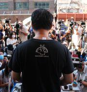 Richard Tsoi, ledare för The Hong Kong Alliance, meddelar att gruppen läggs ned. Kin Cheung / TT NYHETSBYRÅN