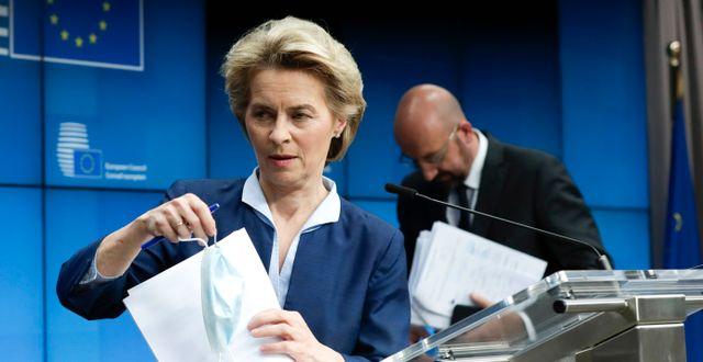 EU-kommissionens ordförande Ursula von der Leyen och Europeiska rådets ordförande Charles Michel. Olivier Hoslet / TT NYHETSBYRÅN