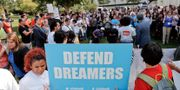 """Arkivbild: Människor demonstrerar för """"dreamers"""" rättigheter. Pablo Martinez Monsivais / TT / NTB Scanpix"""