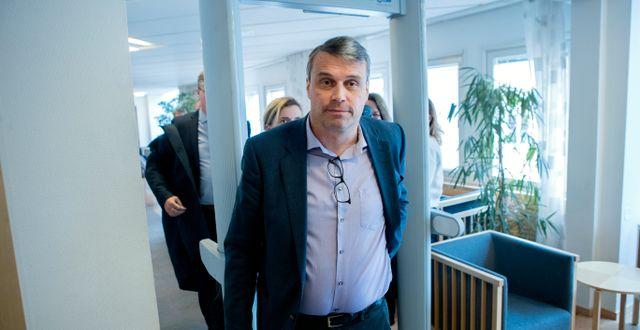 ÖFK:s tidigare ordförande Daniel Kindberg anländer till Ångermanlands Tingsrätt Mats Andersson/TT / TT NYHETSBYRÅN