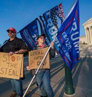 Protester till stöd för president Donald Trump. J. Scott Applewhite / TT NYHETSBYRÅN