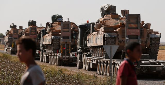 Turkiska styrkor avancerar längre in i Syrien. Lefteris Pitarakis / TT NYHETSBYRÅN