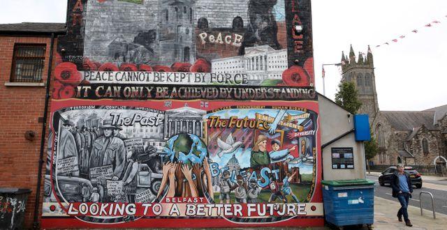 En muralmålning i Belfast  Peter Morrison / TT NYHETSBYRÅN