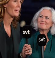 Acko Ankarberg Johansson intervjuas av SVT efter riksdagsvalet. Jessica Gow/TT / TT NYHETSBYRÅN