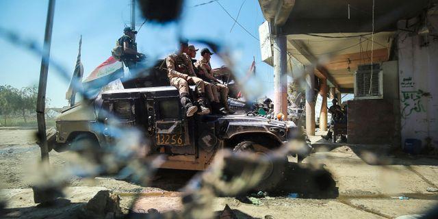 Irakiska styrkor förbereder framryckningar mot IS i Mosuls gamla stad. AHMAD AL-RUBAYE / AFP