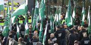 Demonstranter från nazistiska Nordiska motståndsrörelsens (NMR) i Göteborg den 30 september.  Adam Ihse/TT / TT NYHETSBYRÅN