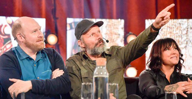 Henrik Dorsin och Felix Herngren och Mia Skäringer från Solsidan under TV4:s pressträff om höstens program på Cirkus i Stockholm. Maja Suslin/TT / TT NYHETSBYRÅN