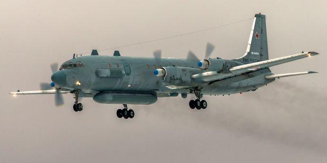 Ett ryskt spaningsflygplanet – av typen Iljushin-20 (Il-20) – sköts ned av av syrisk militär. Nu skyller Mosvka på Israel.  Marina Lystseva / TT NYHETSBYRÅN