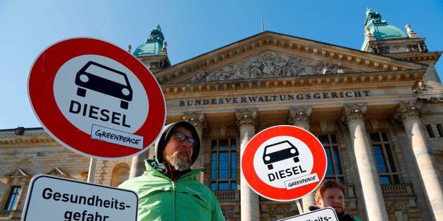Greenpeace-aktivister i tyska Leipzig.  Fabrizio Bensch / TT NYHETSBYRÅN