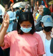 Demonstranter i Rangoon. TT NYHETSBYRÅN