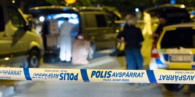 Polisens tekniker efter måndagens dödsskjutning. Johan Nilsson/TT / TT NYHETSBYRÅN