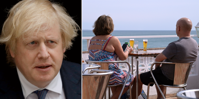 Boris Johnson/turister på Algarvekusten. TT