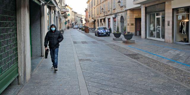 En näst intill folktom gata i Codogno. Luca Bruno / TT NYHETSBYRÅN