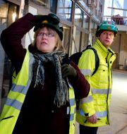 Illustrationsbild. Skyddsombud inspekterar byggarbetsplats. Pontus Lundahl / TT / TT NYHETSBYRÅN