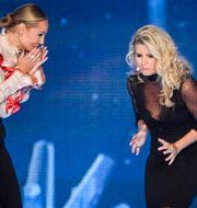 Carina Berg och Christine Meltzer, programledare under årets Kristallengala Janerik Henriksson/TT / TT NYHETSBYRÅN