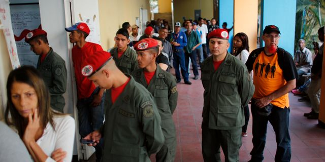 En vallokal i Venezuela. Ariana Cubillos / TT / NTB Scanpix