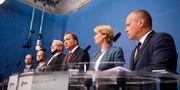 Tomas Enenroth, infrastrukturminister, Helene Fritzon, migrationsminister, Peter Hultqvist, försvarsminister, statsminister Stefan Löfven, under en pressträff i Rosenbad. Erik Simander/TT / TT NYHETSBYRÅN