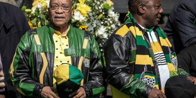 Arkivbild på Sydafrikas president Jacob Zuma och nytillträdde partiledaren Cyril Ramaphosa GIANLUIGI GUERCIA / AFP