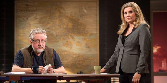 Kriminologiprofessorn och författaren Leif GW Persson och programledaren Camilla Kvartoft FREDRIK SANDBERG / TT / TT NYHETSBYRÅN