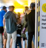 Besökare köar vid Ikea i Slependen i Norge. Arkivbild. Trond Reidar Teigen / TT NYHETSBYRÅN