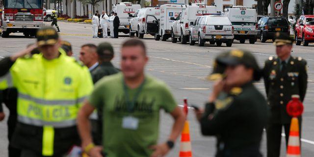 Polis har spärrat av platsen där en bilbomb exploderade i Bogota. John Wilson Vizcaino / TT NYHETSBYRÅN/ NTB Scanpix