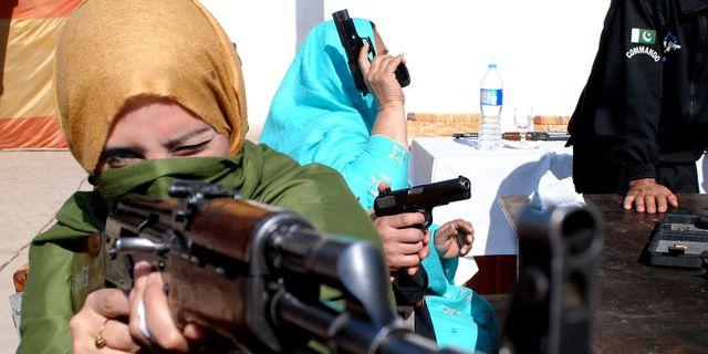 Skolmassaker skakar pakistan