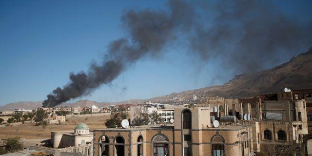 Arkiv. Rök stiger i Sanaa. MOHAMED AL-SAYAGHI / TT NYHETSBYRÅN