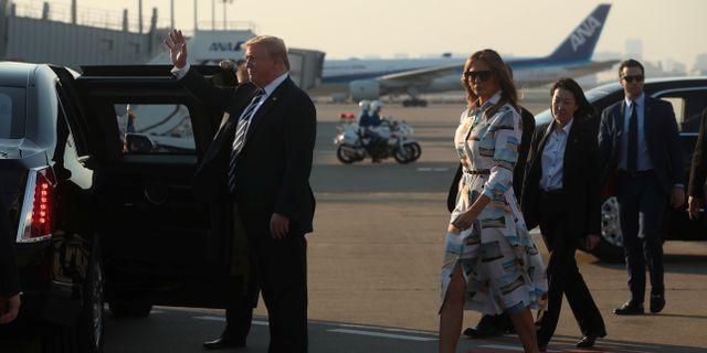 Donald och Melania Trump landar i Tokyo JONATHAN ERNST / TT NYHETSBYRÅN