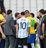 Argentinas Messi och Brasiliens Neymar under kvällens match. Andre Penner / TT NYHETSBYRÅN