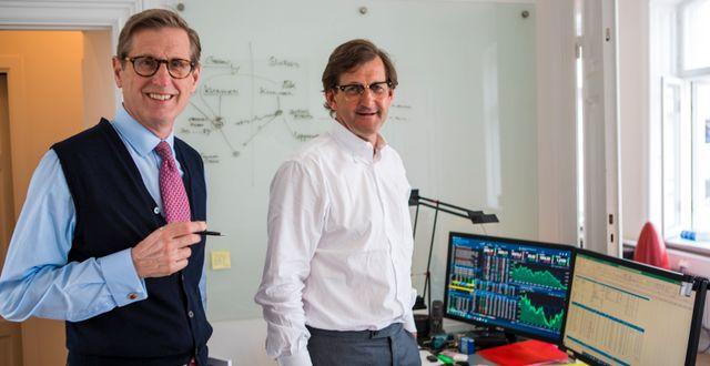 Calgus analytiker och förvaltare Gustaf von Sivers och Carl Urban. Mats Thomasson